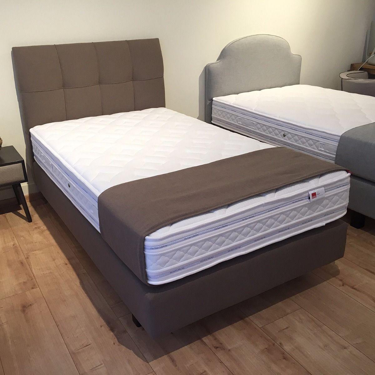 boxspringbetten berlin by candia strom designer betten luxusbetten amerikanische betten. Black Bedroom Furniture Sets. Home Design Ideas